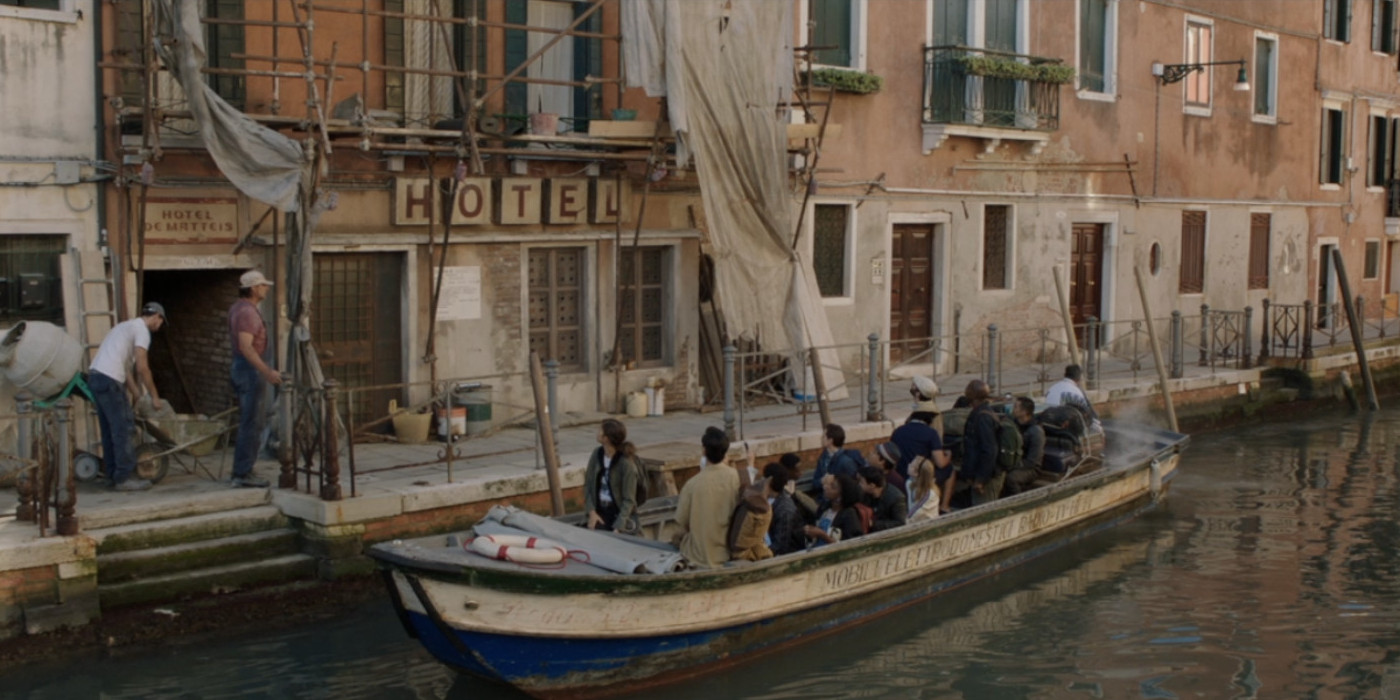 Spider-Man-Far-From-Home-Venice-Hotel.jpg